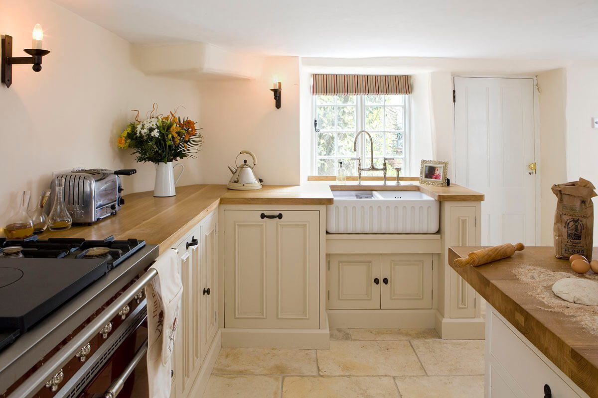 Bespoke luxury kitchen in a cosy cottage - Hill Farm Furniture