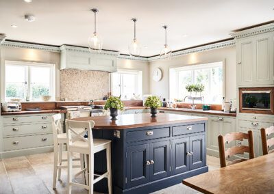 perfect-kitchens-for-holiday-homes-hill-farm-furniture